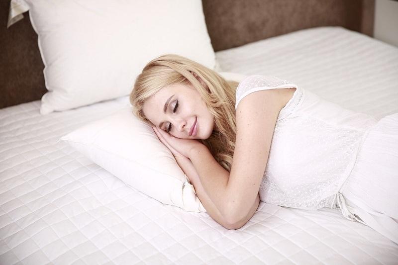 Smrčanje je znak, da v spanju prihaja do težav z dihanjem oziroma oviranega dihanja